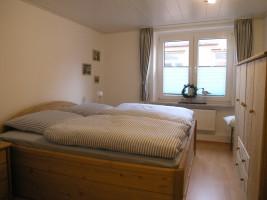 """Tolles neues Schlafzimmer im Landhausstil! Schöne Aussicht!! / Ferienwohnung """"Immensee"""" in Husum"""