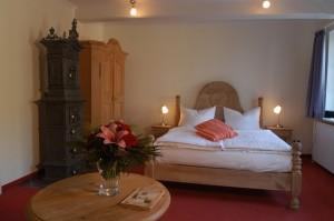"""Ruhig schlafen in unseren komfortabel eingerichteten Zimmern / Hotel """"Nordsee-Hotel Hinrichsen GmbH"""" in Husum"""