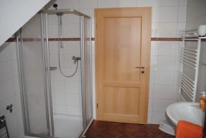 """Tolles modernes Bad mit Dusche. / Ferienwohnung """"II"""" in Husum - Südermarsch"""