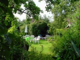 """Blick in den Garten / Ferienwohnung """"Familie Pätzold"""" in Husum"""
