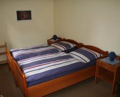 """erstes Schlafzimmer / Ferienhaus """"Petersen"""" in Arlewatt"""