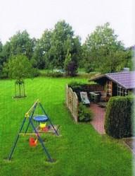"""Spielplatz, Grillhütte und Liegewiese hinter dem Haus! / Ferienwohnung """"Ferienhaus Maren Thomsen"""" in Ostenfeld"""