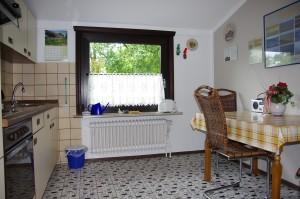 """Die komplett eingerichtete Küche / Ferienwohnung """"Ferienwohnung Krön"""" in Wobbenbüll"""