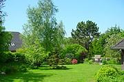 """Schöner Garten. / Ferienwohnung """"Ferienwohnung Haus Anne-Lene II"""" in Husum-Schobüll"""