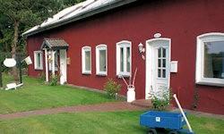 "Doppelhaushälfte ""Ferienhaus Solingen"" in ruhiger Lage. / Ferienhaus ""Rostock"" in Bondelum"