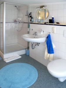 """neues komfortables Badezimmer / Ferienwohnung """"Im Sonnenschein"""" in Husum"""