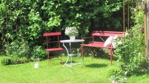 """Sitzplatz im Garten / Bed and Breakfast """"Möwenstube"""" in Ostenfeld"""