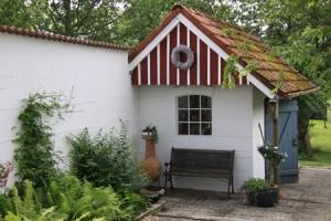 """Im Gartenhäuschen können Sie Ihre Fahrräder abstellen. / Ferienhaus """"Ferienhaus Göttsche"""" in Husum"""