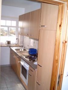 """Einbauküche komplett ausgestattet für 4 Personen / Ferienwohnung """"Ruhige Dorfrandlage"""" in Oldenwort"""