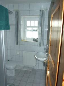 """Duschbad und WC / Ferienwohnung """"Ruhige Dorfrandlage"""" in Oldenwort"""