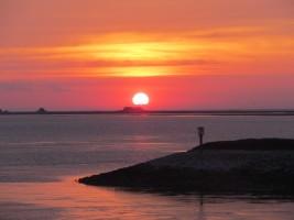 """Wunderbare Sonnenuntergänge auf Nordstrand / Ferienwohnung """"Nordstern"""" in Hattstedt"""