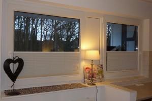 """Fenster von Esszimmer und Küchenbereich. / Ferienwohnung """"☀ Sünnschien in Husum ☀️"""" in Husum (Rödemis)"""