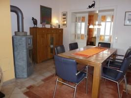 """das Esszimmer, mit großem, ausziehbarem Tisch / Ferienhaus """"Villa-Husum"""" in Husum"""