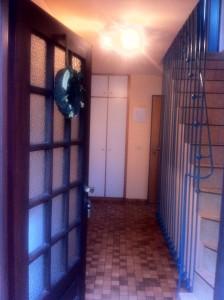 """Eingangsbereich an der Ostseite des Hauses / Ferienwohnung """"Bei Uwe und Cordula"""" in Husum"""