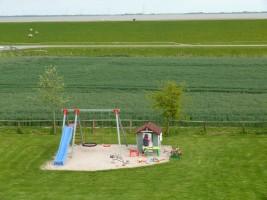 """Spielplatz / Ferienhaus """"Haus Wattenmeerblick"""" in Nordstrand"""
