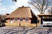 """Niedrige Decken, ganz wie früher! / Ferienhaus """"Idyllisches Reetdachhaus in Schobüll"""" in Husum"""
