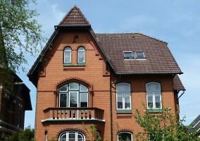 """in unserer Straße stehen viele wunderschöne, alte Häuser / Ferienhaus """"Villa-Husum"""" in Husum"""