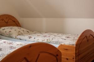 """Zweites Schlafzimmer für 2 Personen / Ferienwohnung """"Ferien in Eiderstedt"""" in Oldenswort"""