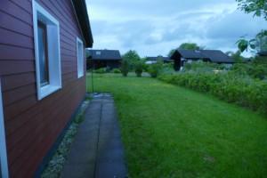 """Der Garten ist groß genug zum toben und spielen / Ferienhaus """"Peters"""" in Simonsberg"""