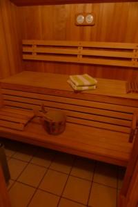 """Sollten es draußen mal etwas kühler sein, machen Sie es sich in der Sauna bequem. / Ferienhaus """"Peters"""" in Simonsberg"""