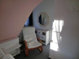 """Sitzgelegenheit im Schlafzimmer / Ferienhaus """"Muschelsucher 1"""" in Nordstrand-Norderhafen"""