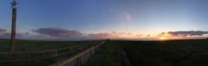 """Sonnenuntergang  über der Nordsee / Ferienwohnung """"Süderoog"""" in Husum-Schobüll"""