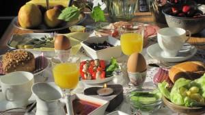 """Meine Gäste lieben das abwechslungsreiche, gesunde und leckere Frühstück  / Bed and Breakfast """"Möwenstube"""" in Ostenfeld"""