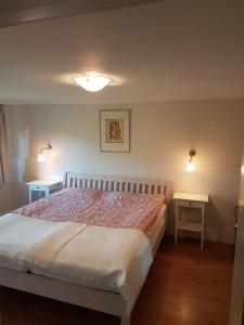 """Schlafzimmer / Ferienhaus """"Reetdachhaus Margaux"""" in Wobbenbüll"""