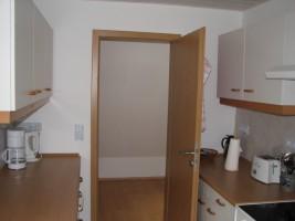 """Komplett ausgestattete Küche für 2 Personen mit Sitzgelegenheit. / Ferienwohnung """"Achtern Diek"""" in Simonsberg"""