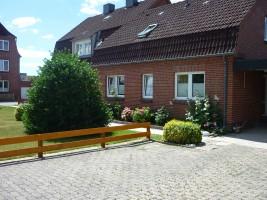 """Ihren Autoparkplatz erreichen Sie über die Einfahrt Lornsenstr. / Ferienwohnung """"Knudsen"""" in Husum"""