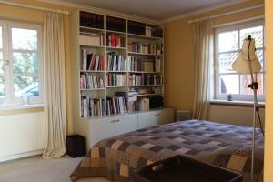 """Schlafzimmer 2 / Ferienwohnung """"Das Haus am Meer  Wohnung 1"""" in Schobüll"""