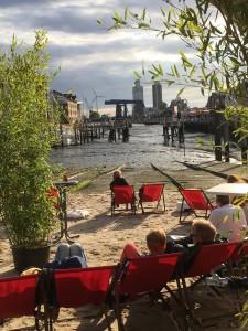 """""""Strand"""" am Binnenhafen beim Hafenfest / Ferienwohnung """"Husum-Tied"""" in Husum"""