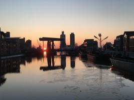 """Abendsonne über der Klappbrücke / Ferienwohnung """"Husum-Tied"""" in Husum"""
