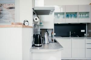"""Hochwertige neue Einbauküche komplett ausgestattet / Ferienwohnung """"Loheide"""" in Langenhorn"""