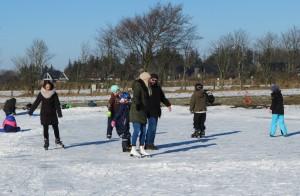 """Winterspaß auf dem Eis.... / Ferienwohnung """"Nordstrand frei ab 29.10."""" in Husum - Schobüll"""