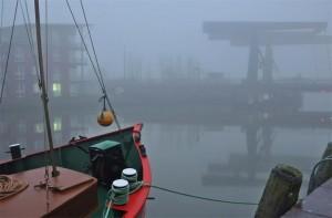 """Die graue Stadt am Meer .. gibt es auch mal aber meistens ganz bunt ⚓️ / Ferienwohnung """"Wohnung Ankerplatz mit Hafenblick"""" in Husum"""